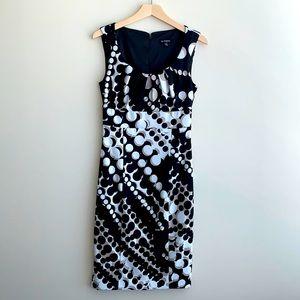 Le Chateau Sleeveless Midi Dress Black / White